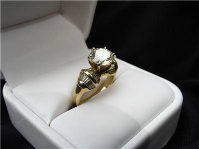 Diamod egagement ring picture